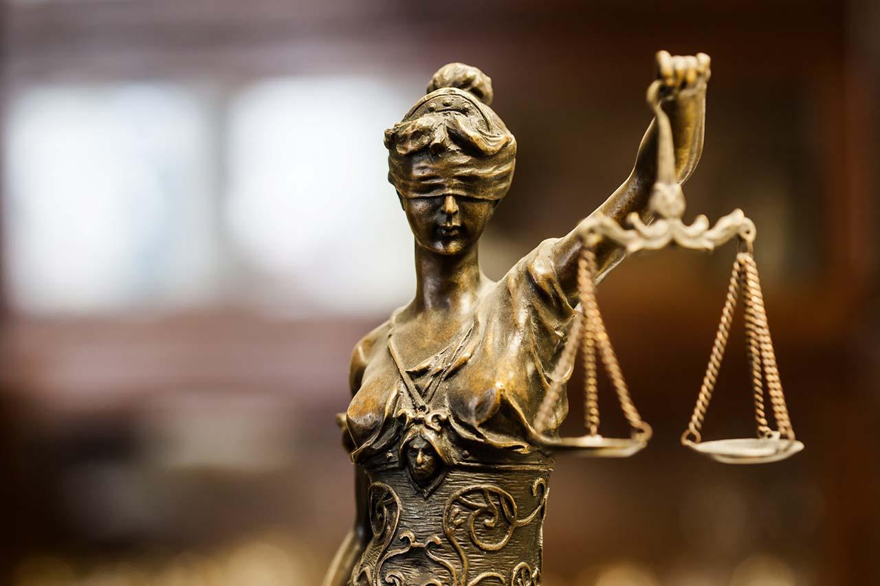 Defensa jurídica particulares
